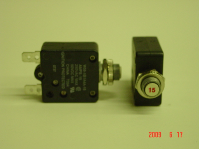 48216 Frost Fighter 15 Amp Thermal Circuit Breaker